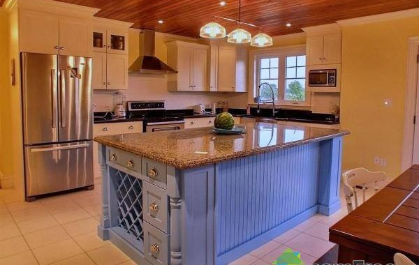 Products silver creek custom cabinetry for Kitchen cabinets 10 x 15